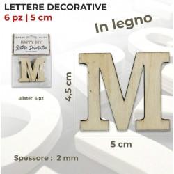Lettera M decorativa in...